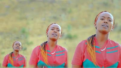 hoa-politicalscene.com/invitation-1-hoas-friends143.html: Oromo singer with Oromia folklore.