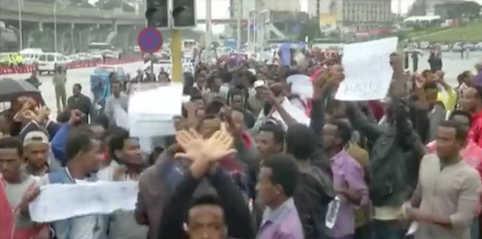 hoa-politicalscene.com/ethiopian-politics.html - Ethiopian Politics: Ethiopian protesting refusing the unfair social justice.